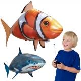 43% Korting Air Swimmers Radiografisch Bestuurbare Vliegende Haai of Clownvis voor €19,95 bij DealWizard