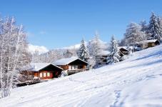 50% korting Skivakantie Franse Alpen met skipas voor €379 p. arrangement bij TravelBird