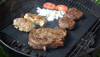 83% Korting Set van 2 grillmatten voor €4,95 bij Actievandedag