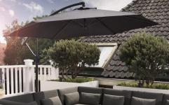 77% Korting Luxe XXL Zweefparasol van 3 meter met Parasolvoet & Verstelbaar Frame voor €69,99 bij Koopjedeal